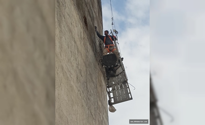 İnşaat Asansörü Devrildi