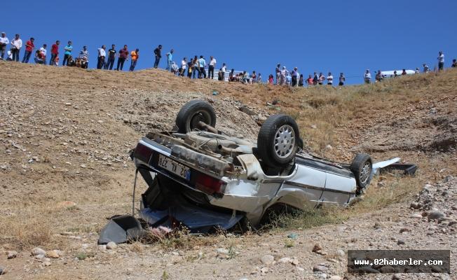 Düğün Yolunda Kaza: 1 Ölü, 3 Yaralı