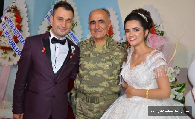 Komutanları Gaziyi Mutlu Gününde Yanlız Bırakmadı
