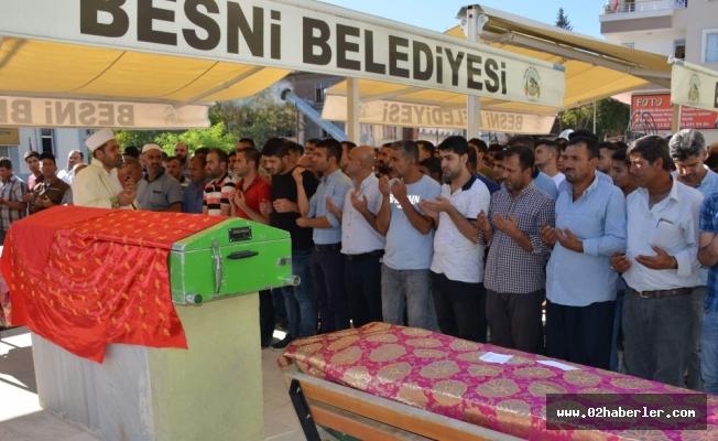 Adana'da Boğulan 3 Kişi Besni'de Toprağa Verildi