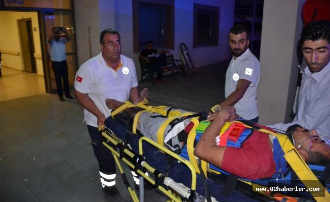 Besni'de Otomobil Şarampole Yuvarlandı: 2 Yaralı