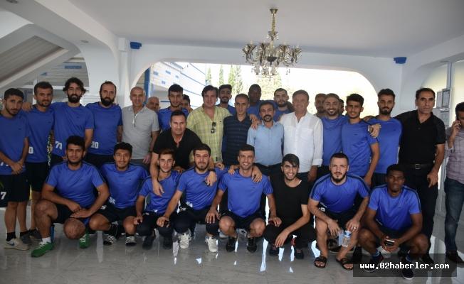 Ünlü Futbolcular, Kahta Dirilişspor Kulübü'nü Ziyaret Etti