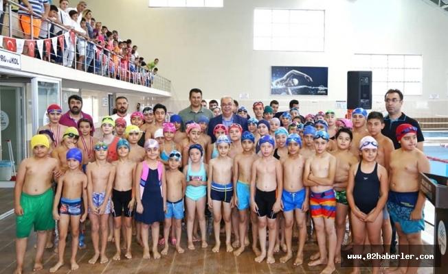 Belediye Yaz Spor Okulları 4 Bin Kursiyeri Mezun Etti
