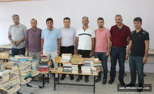 Köy Okullarına 7 Bin Adet Kitap Bağışı