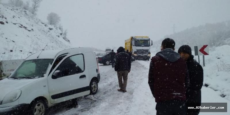 Çelikhan'da kar yağışıetkili oldu