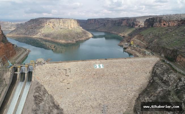 Dicle Barajı'na yeni kapak yerleştiriliyor