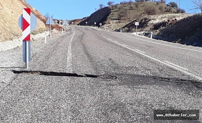Tut yolunda yol çöktü