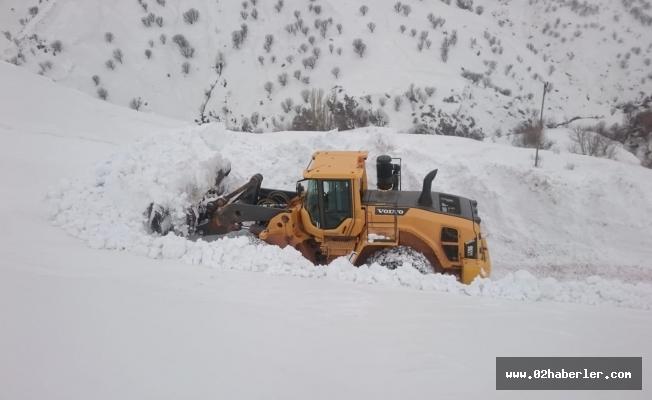 Sincik'te yollar yine kapandı