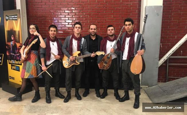 Fevzi Çakmak Anadolu Lisesi Müzik Yarışmasında Mücadele Ediyor