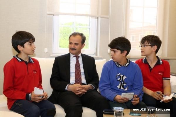 Minik Gazeteciler Başkan Kılınç'la Röportaj Yaptı