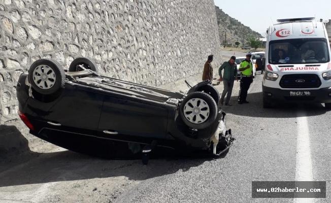 Adıyaman'da Otomobil Takla Attı: 2 Yaralı