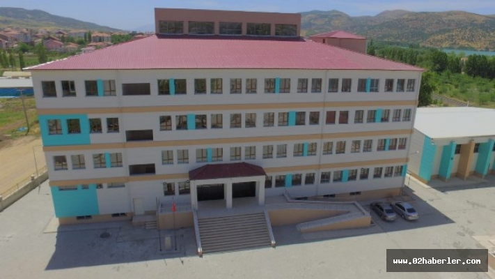 Gölbaşı'nda Fen ve Sosyal Bilimler Program Okulu açıldı