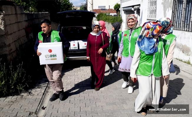 """Kahta İHH'dan """"Ramazan"""" yardımları"""