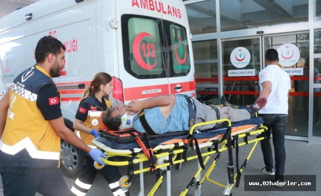 Otomobil ile Motosiklet Çarpıştı: 2'si Ağır 3 Yaralı