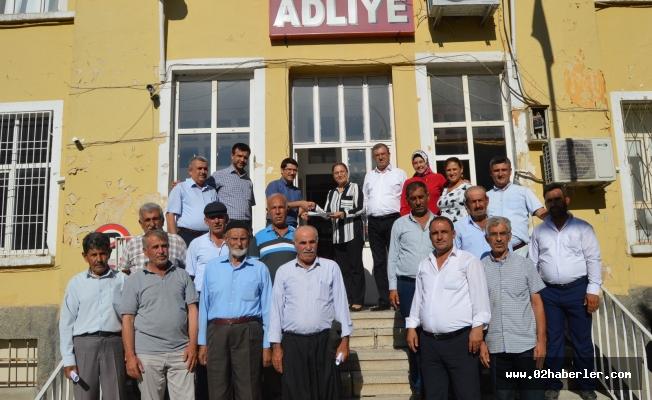 Adıyaman'ın İlk Bayan Belediye Başkanı Mazbatasını Aldı