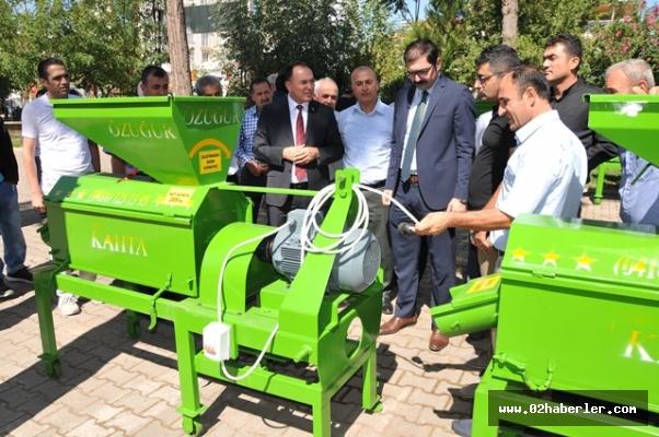 Çiftçilere badem ve ceviz kabuğu soyma makinesi dağıtıldı