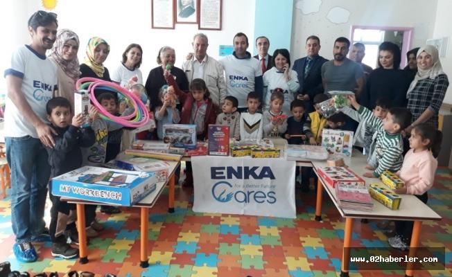 ENKA'dan Öğrencilere Kırtasiye ve Kıyafet Yardımı
