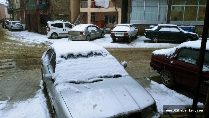 Çelikhan'da Yılın İlk Karı Yağdı