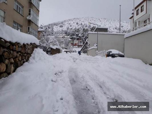 Çelikhan'da Taşımalı Eğitime Kar Engeli