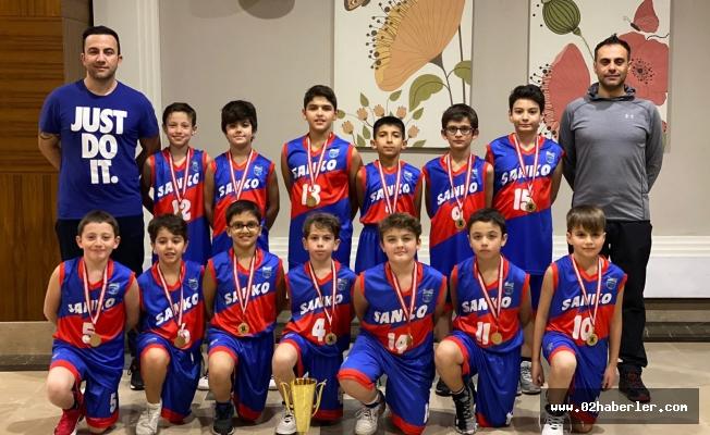 """Sanko Okulları Basketbol Takımı """"2020 Wınter Cup"""" Şampiyonu"""