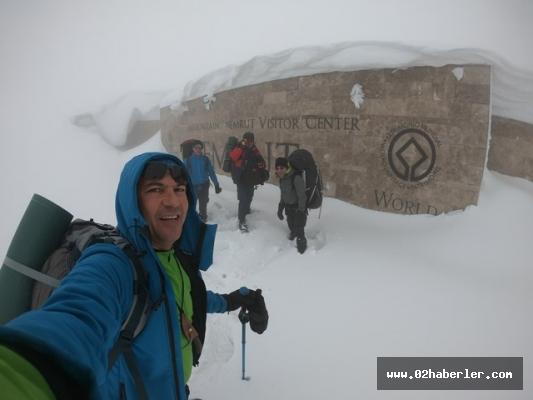 Sporcularımızdan Nemrut Dağına Tırmanış