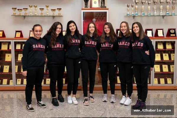 SANKO Okulları Kız Basketbol Takımı Türkiye Yarı Finallerinde