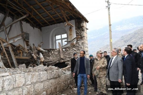 Vali Aykut Pekmez Gerger'de Depremzedeleri Ziyaret Etti