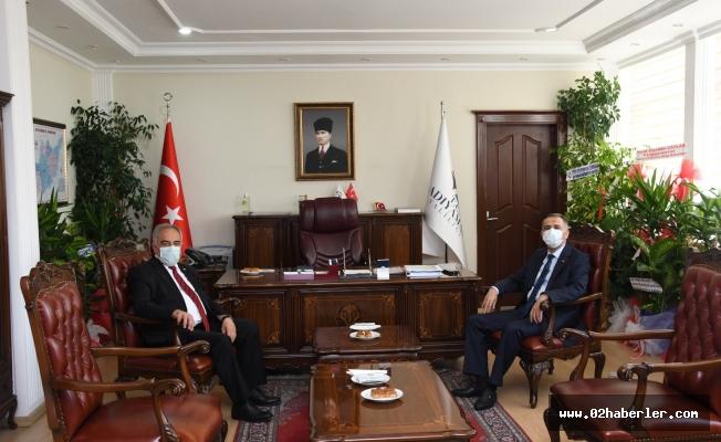 Rektör Turgut'tan Vali Çuhadar'a Hayırlı Olsun Ziyareti