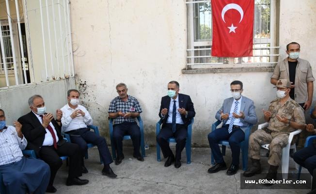 Vali Çuhadar'dan Şehit Gül'ün Ailesine Ziyaret