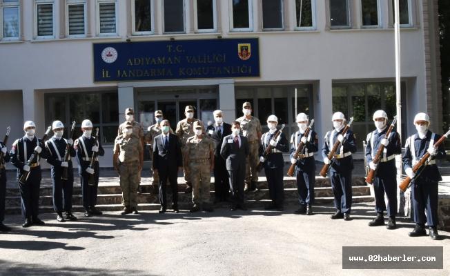 Vali Çuhadar, İl Jandarma Komutanlığı'nda Brifing Aldı