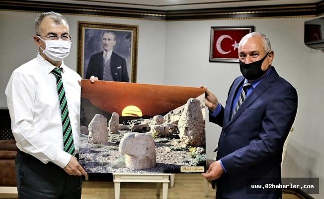 Başkan Mente'den Vali Doruk'a Ziyaret