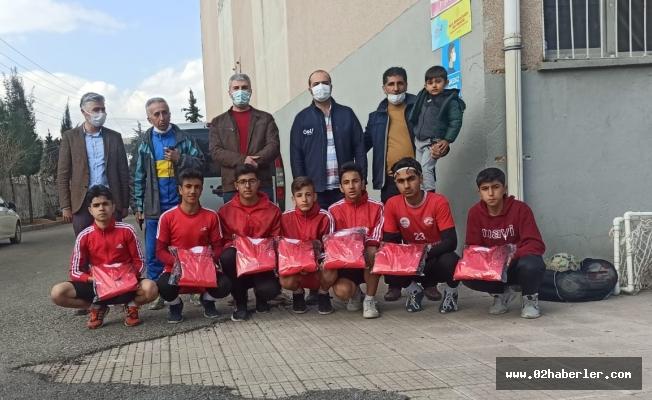 Genç Futbolcuları Sevindiren Jest