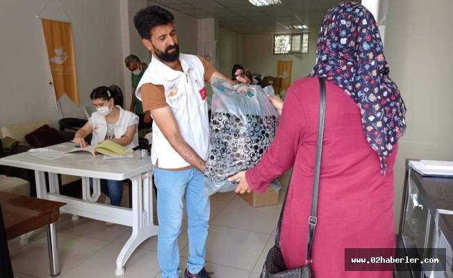 Rahmeteli Yetimler Derneğinden Bayram Öncesi 190 Aileye Yardım