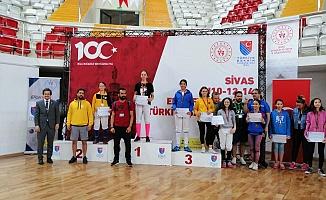 Eskrimde Adıyamanlı sporcu Türkiye Şampiyonu oldu