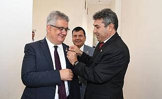 Vali Aykut Pekmez'e muhtarlar günü ziyareti