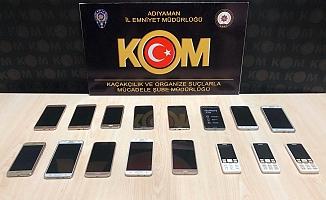 Gümrük Kaçağı Telefonlar Ele Geçirildi
