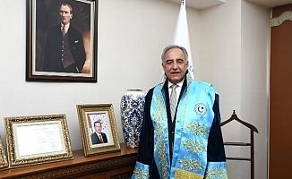 Rektör Turgut'tan Tıp Bayramı Kutlama Mesajı