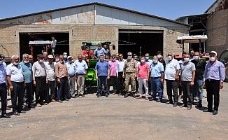 Besni'de Badem Yetiştiricilerine Makine Dağıtıldı