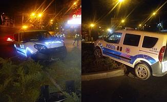 Kaçan Aracı Kovalayan Ekip Aracı Kaza Yaptı: 2 Polis Yaralandı