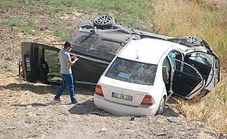 Çarpışan Araçlar Şarampole Uçtu, 1 Yaralı