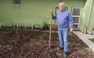 Muhtar Mahalle Sakinlerine Organik Tarımı Aşılıyor