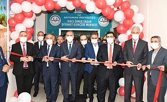 Hacı Ömer Taşar Diyanet Gençlik Merkezinin Açılışı Gerçekleşti
