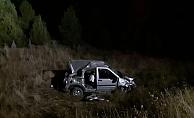 Araç şarampole yuvarlandı: 1 ölü, 2 yaralı