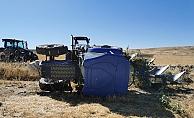 Tarla Süren Traktör Devrildi: 1 Yaralı