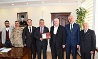 Hayırsever Abuzer Yıldırım'a Altın Madalya Ödülü