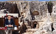 Vali Çuhadar, Perre Antik Kentini İnceledi