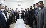 Kahta Muhtarlar Derneği'nden Başkan Turanlıya 'Şükran Plaketi'